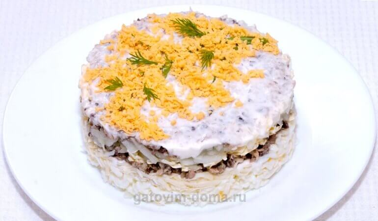 Готовим вкусный и праздничный салат мимоза с запеченной горбушей