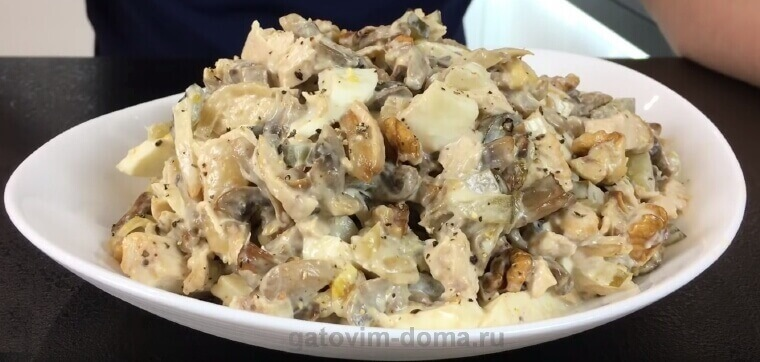 Рецепт приготовления салата Обжорка с курицей и яйцами