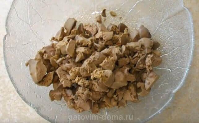 Нарезная куриная печень для приготовления салата Обжорка