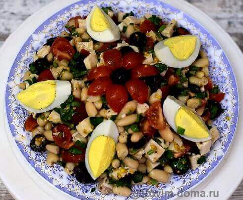 Вкусный салат с фасолью и курицей к новому году
