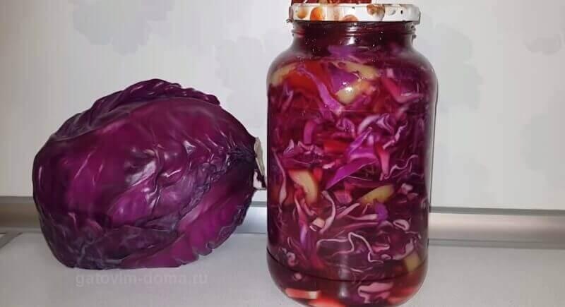 Пошаговый рецепт очень красивого салата из краснокочанной капусты на зиму в банке