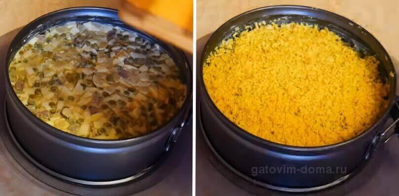 Собираем салат новогодние куранты в специальном кулинарном кольце