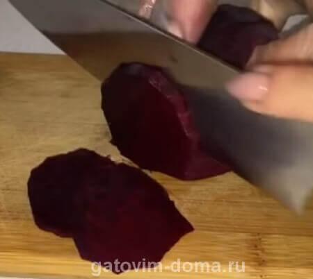 Нарезка свеклы круглыми кольцами для салата