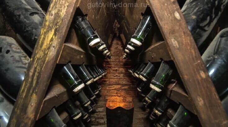 Длительное хранение игристого вина на складе