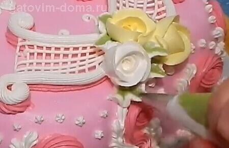 Делаем красивые листочки для роз из крема