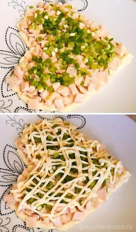 Зеленый лук и заправка салата в виде сеточки из майонеза