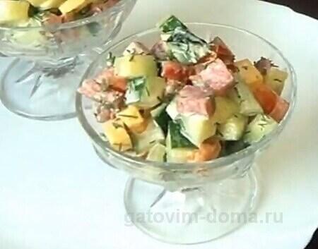 Подача салата в креманках на праздничный стол ко дню всех влюбленных