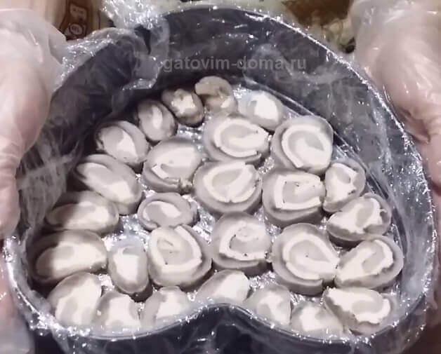 Селедочные рулеты для приготовления салата под шубой в виде сердца