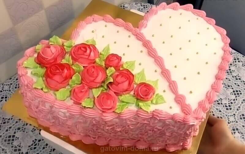 Красивый торт без мастики в форме сердца на 14 февраля