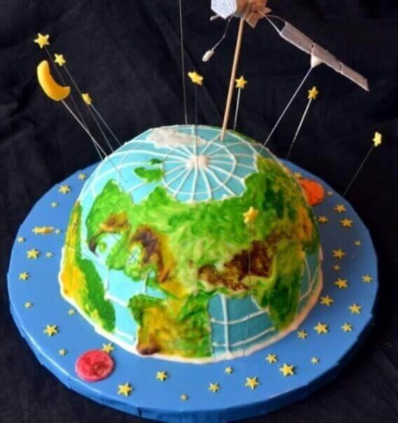 Интересный тортик на тематику космонавтики