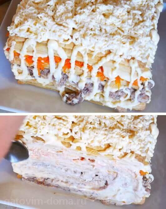 Слой натертого плавленного сыра в салате Мимоза с домашним майонезом