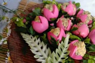 Примеры красивого украшения салатов к 8 Марта