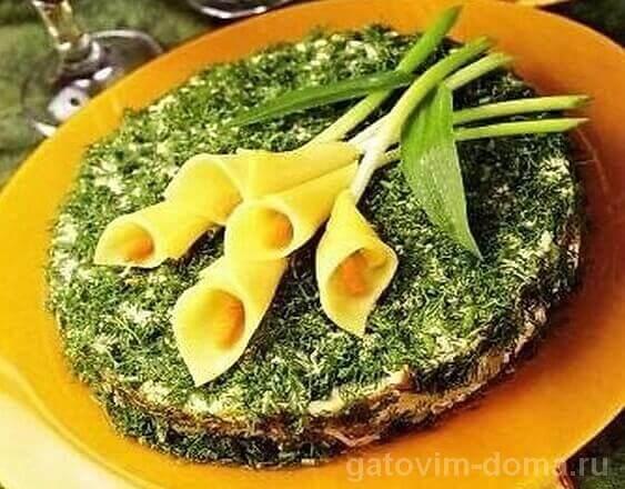 Праздничный салат Каллы из тонких пластинок сыра