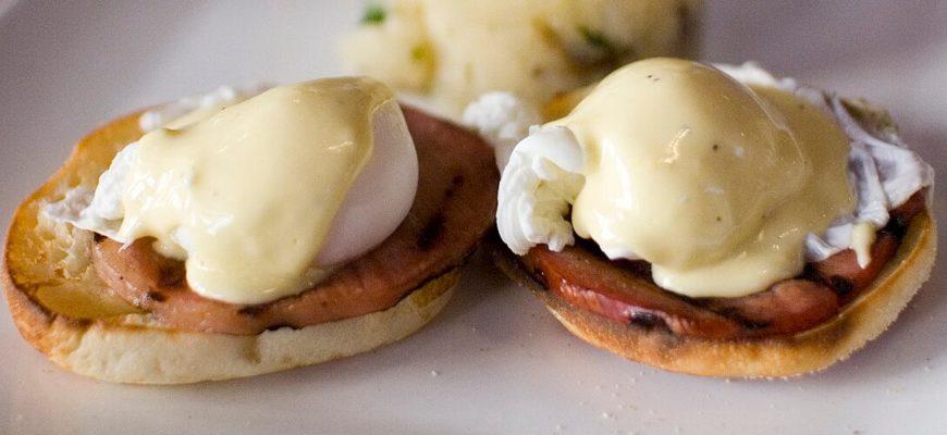 В чем заключается разница яйца Пашот и Бенедикт