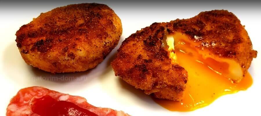 Рецепт приготовления хрустящих жареных яиц Пашот в панировке и на сковороде