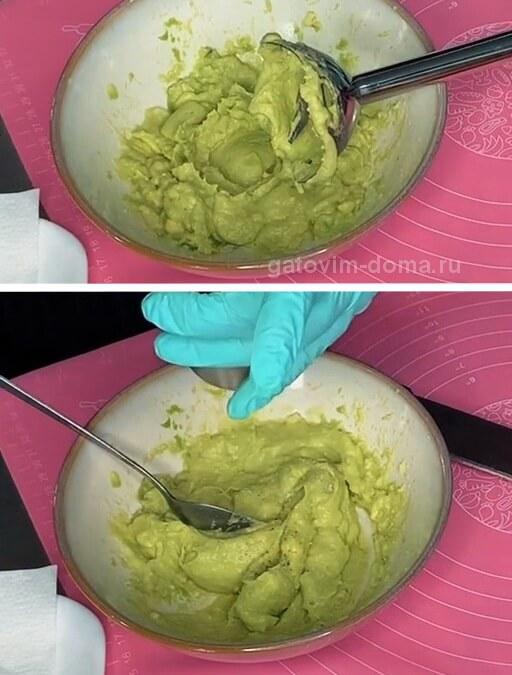 Приготовление зеленой пасты из авокадо